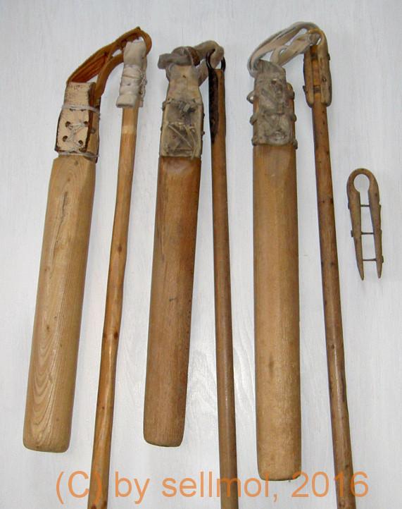 verschiedene dreschflegel mit verbindungen aus leder, eisen oder holz